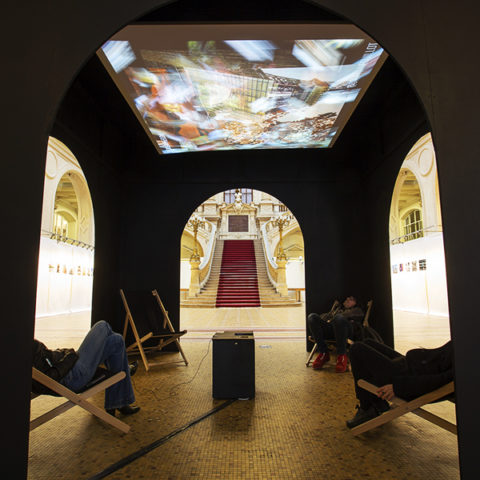 Interactive installation around urban and architectural representations on Instagram | 2018  computer development: Sylvie Tissot • pavilion design: Martin Detoeuf • pictures: Rémy Deluze]  An exhibition-event proposed with the Maison de l'Architecture in Ile de France on the occasion of the Journées Nationales de l'Architecture]
